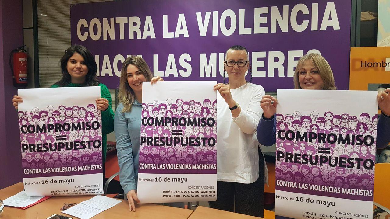 De izquierda a derecha, Raquel Ruiz, Jessica Castaño, Olga Rimada y Blanca Cañedo, en la presentación de la movilización feminista del 16 de mayo en Asturias