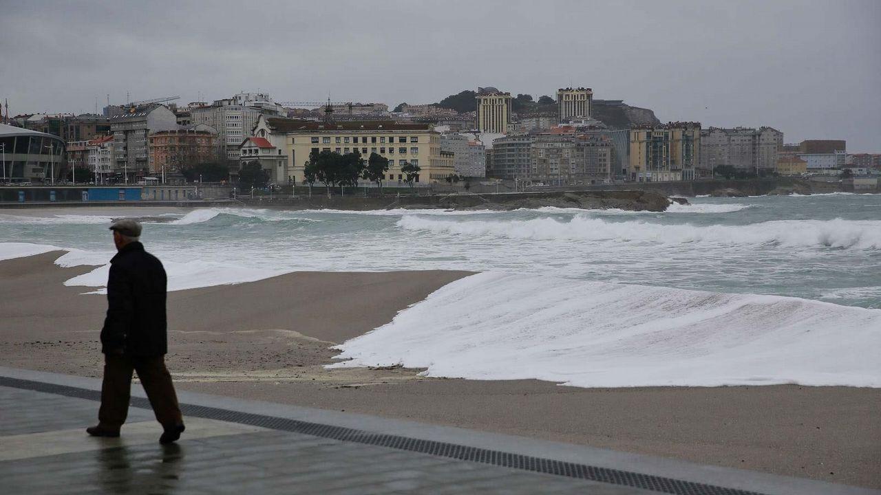 La mezcla entre la superluna y el temporal ha provocado unas mareas extremadamente altas