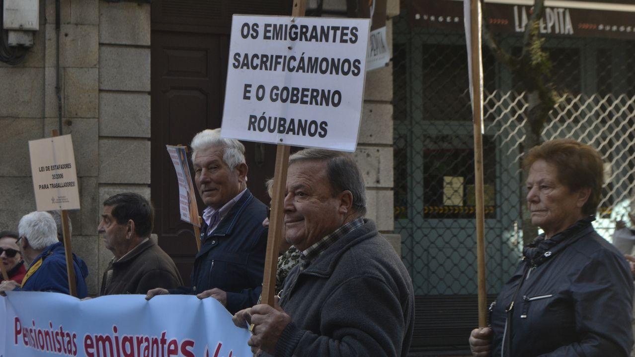 Protesta de las trabajadoras del geriátrico DomusVi de Viveiro.Factoría de Alcoa en Avilés
