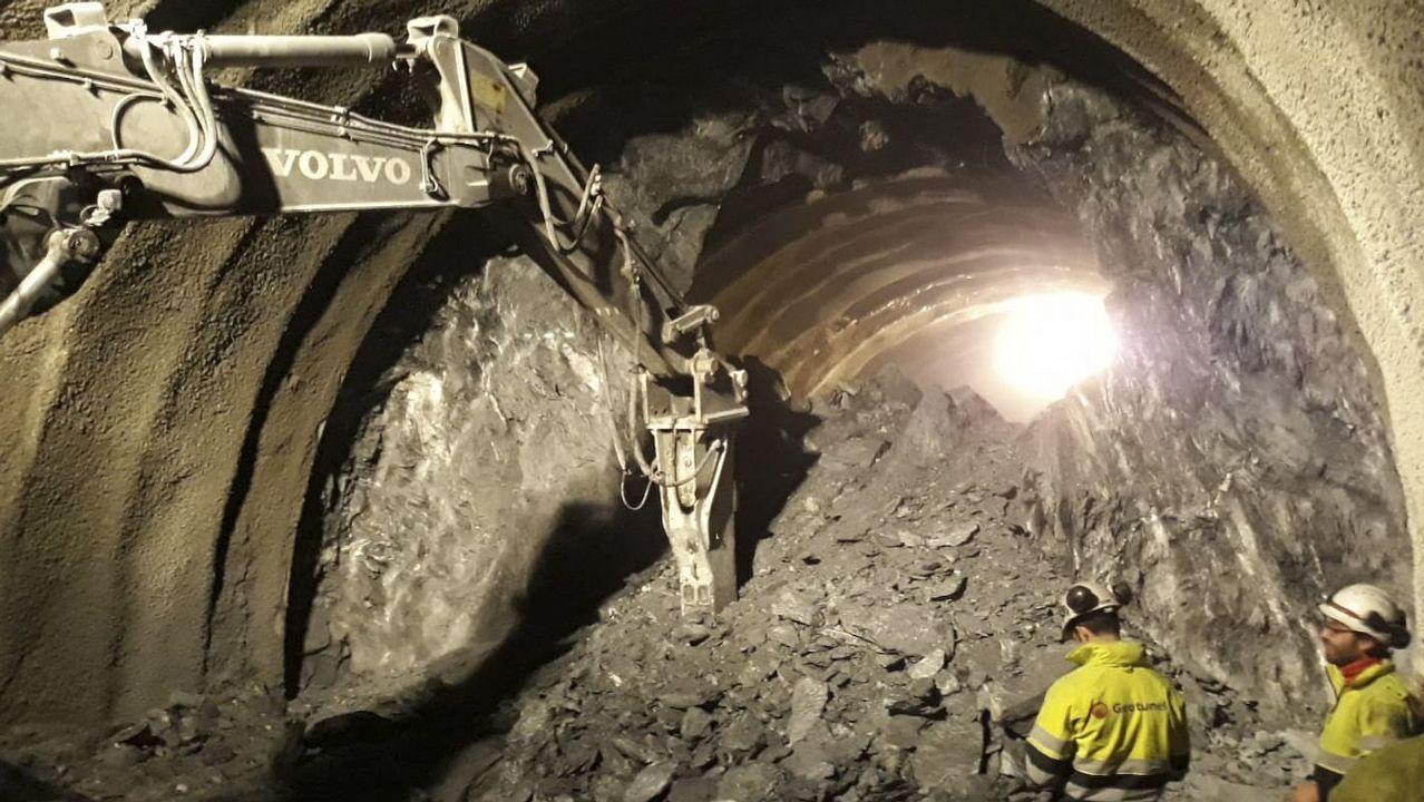 Imagen del cale de la vía izquierda del túnel de Requejo