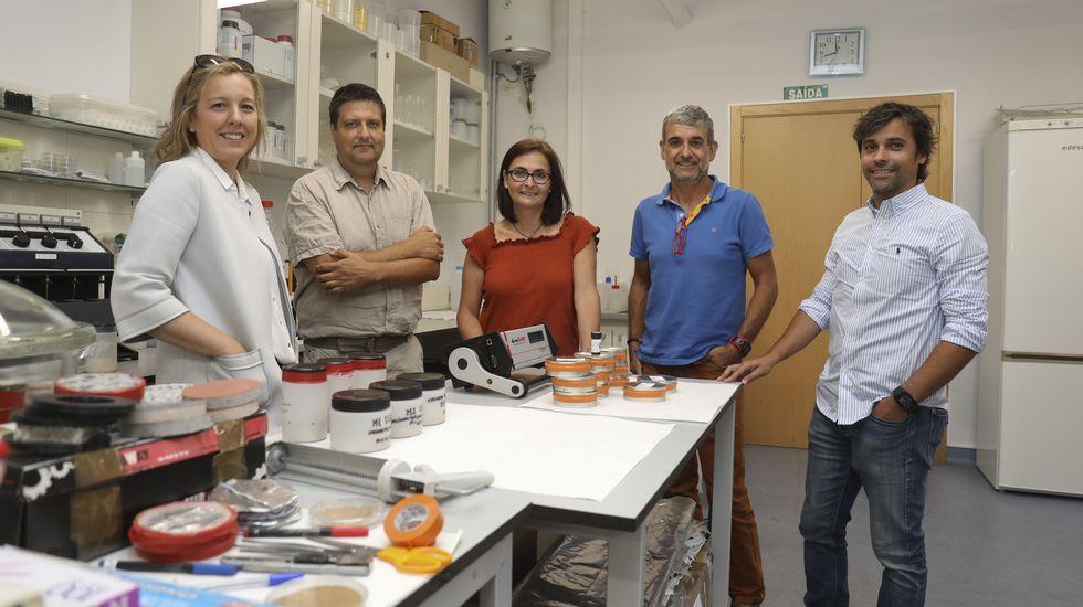 Últimos días para ver el Pórtico gratis.El profesor y mago Xuxo Ruiz y el director general de AFundación, Pedro Otero, presentaron el plan