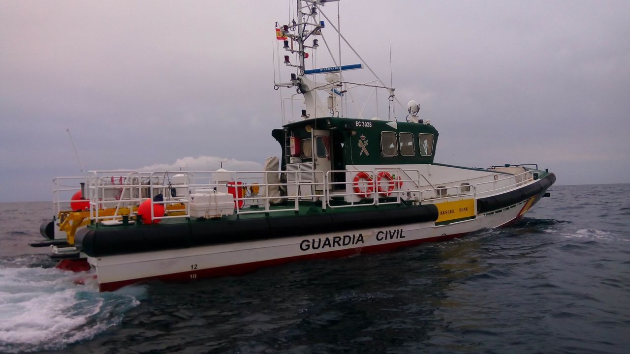 El Rubicon 3, en A Coruña .VIADUCTO DE LA RONDA DE NELLE CON AVENIDA DE FINISTERRE .