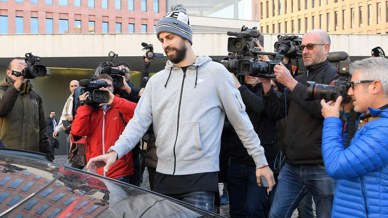 Piqué es sentenciado a pagar 48.000 euros por conducir sin puntos en el carnet