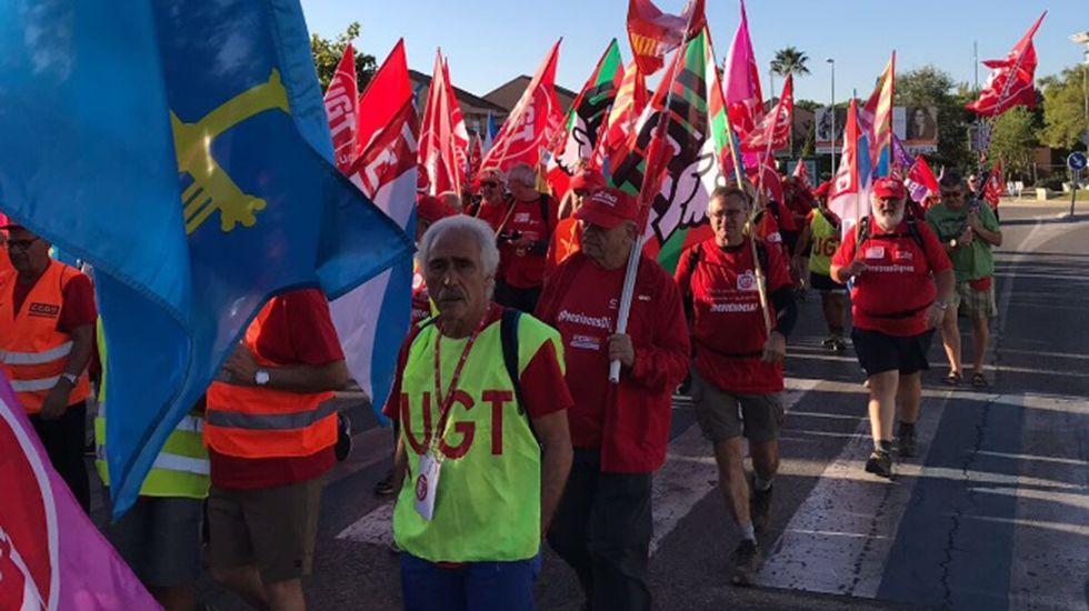 Marcha de jubilados reclamando pensiones dignas.Fabrica de Nestlé
