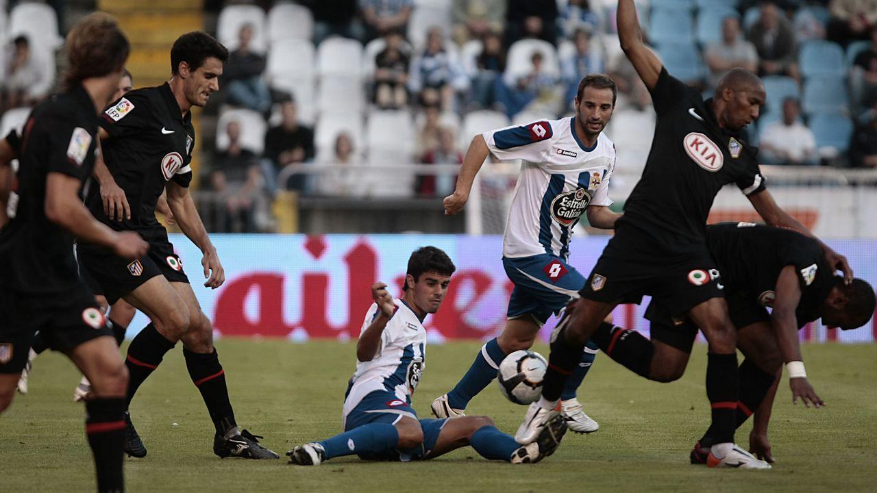 Juan Domínguez en un Teresa Herrera ante el Atlético de Madrid