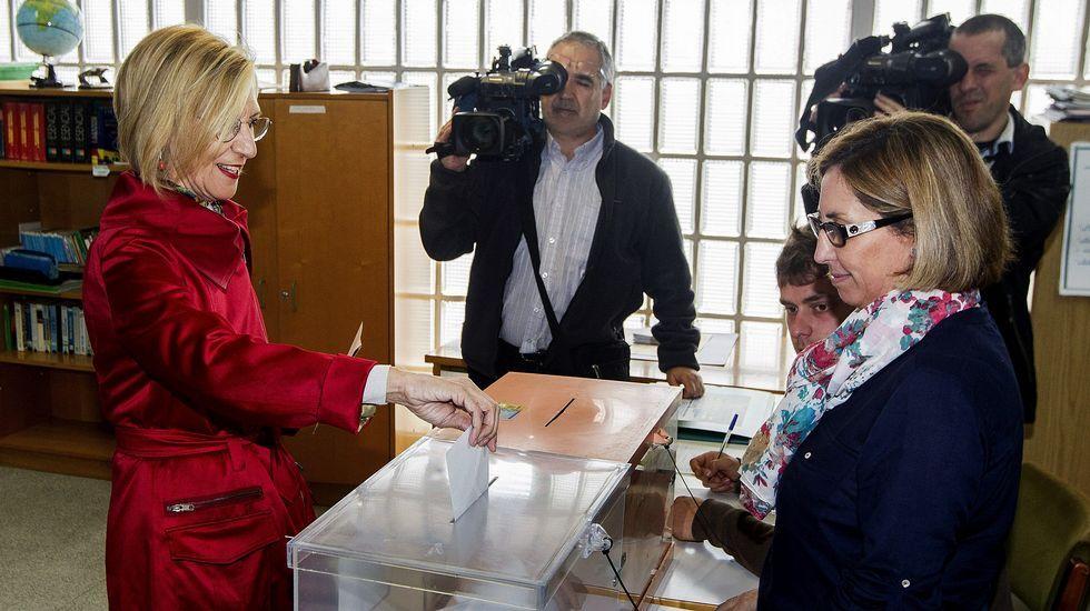 a portavoz nacional de UPyD, Rosa Díez, ha ejercecido su derecho al voto en un colegio de Sodupe, en Güeñes (Bizkaia)