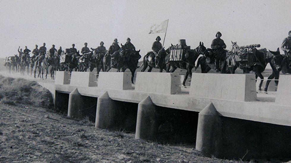 Un escuadrón de caballería. Marzo de 1938