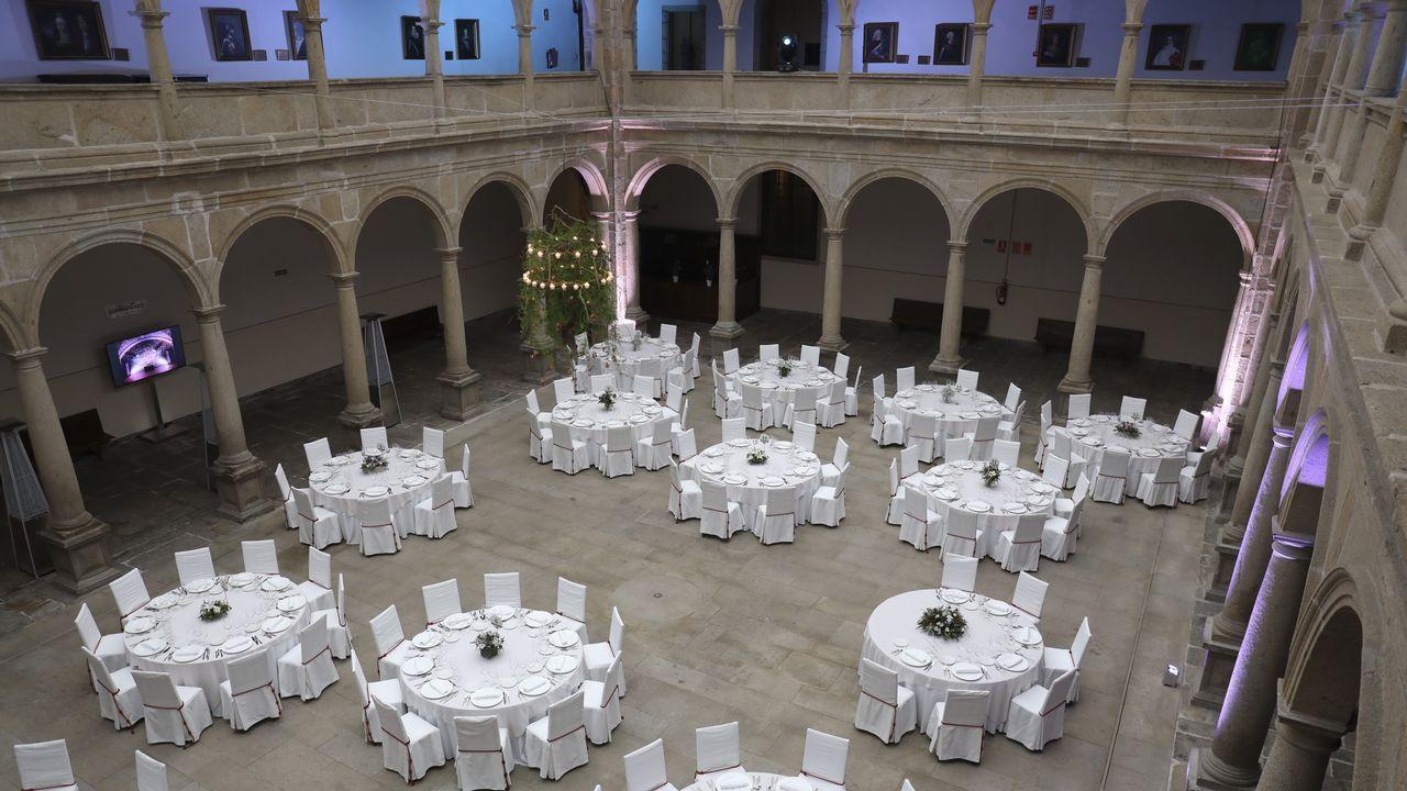 Así son las bodas en los salones de hoteles de 4 y 5 estrellas de Santiago.