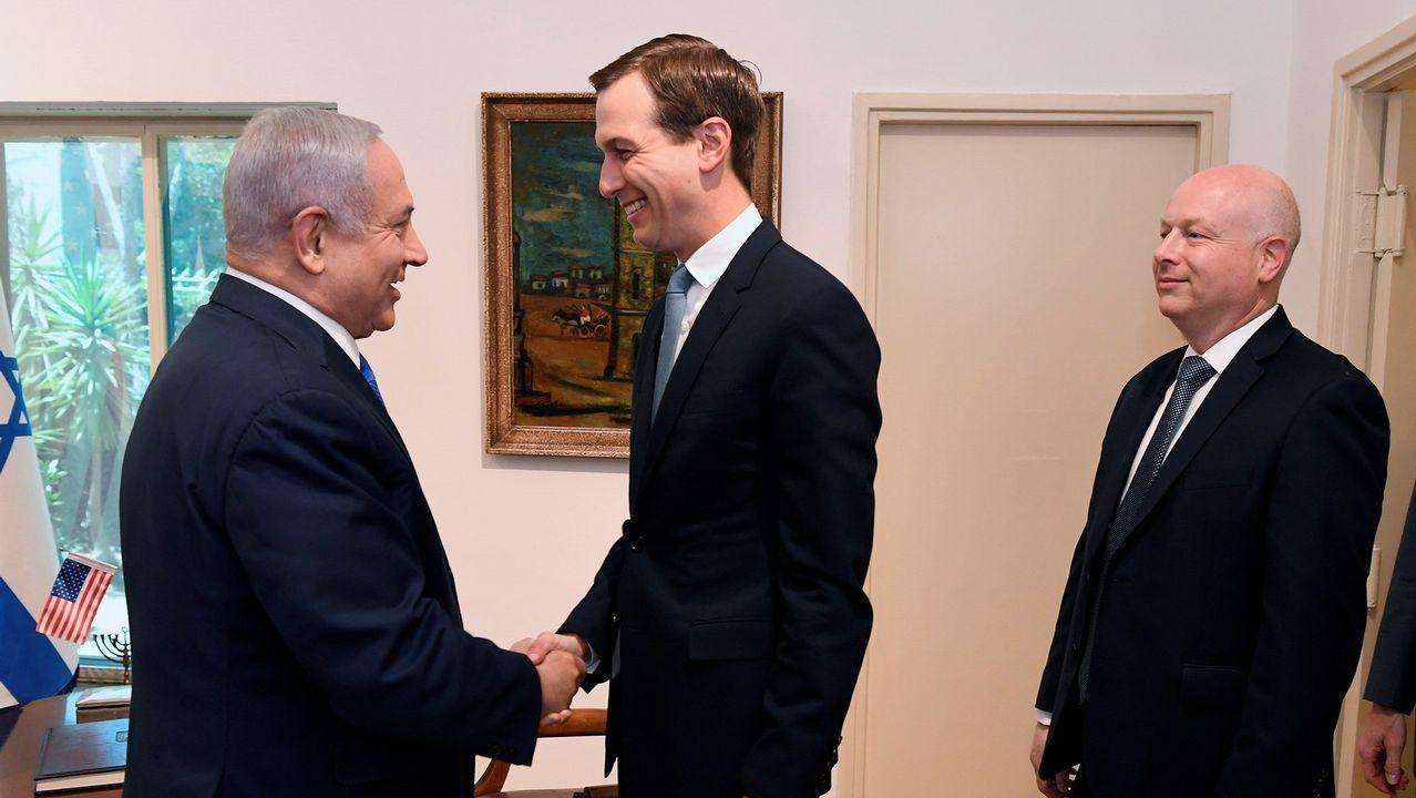 La visita de Trump a la capital británica, en imágenes.Netanyahu saluda a los enviados de EE.UU. Jared Kushner y Jason Greenbladtt