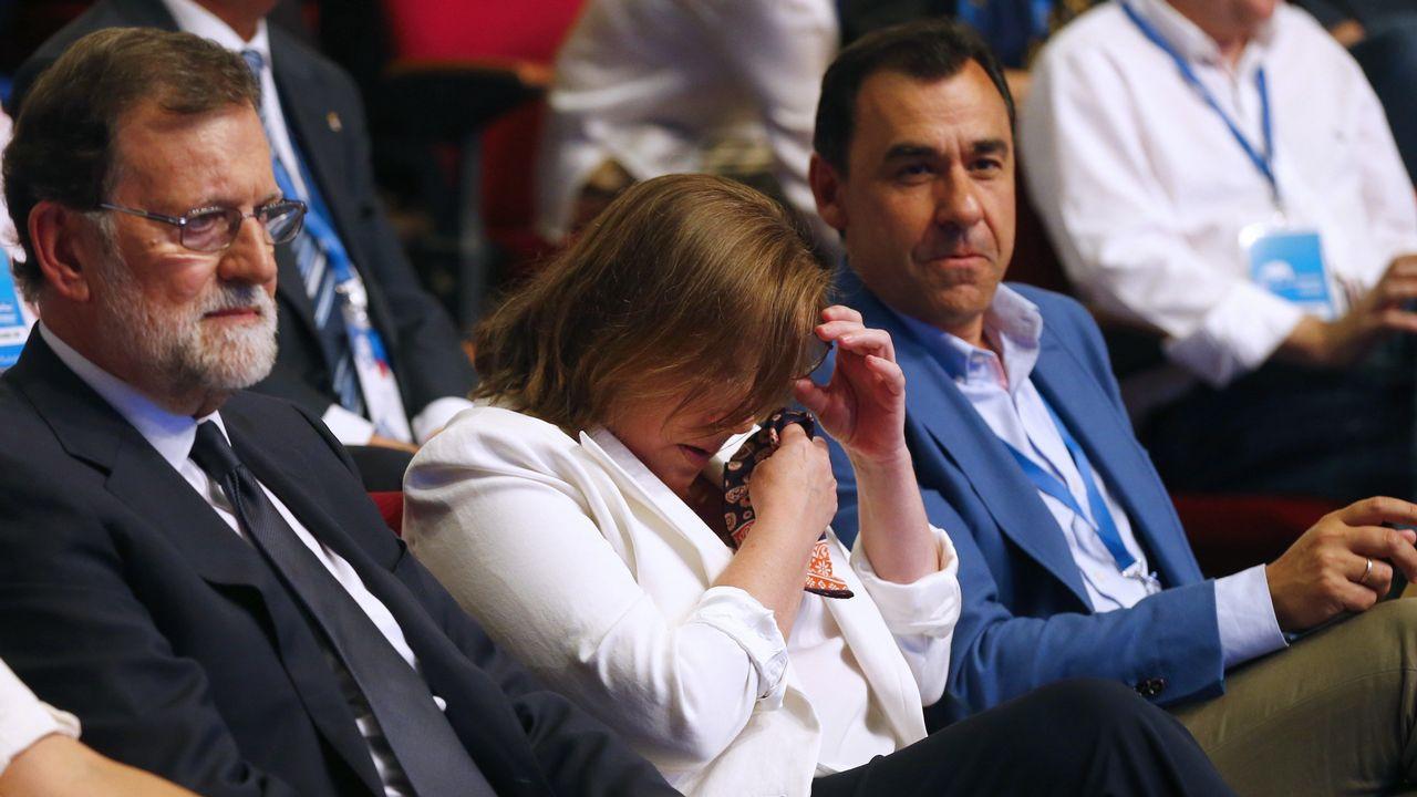 Rajoy reconoció desde el atril el apoyo de su mujer Elvira Fernándeza, que se emocionó