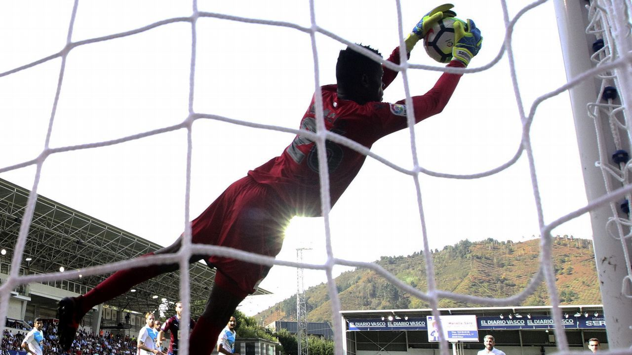 Pantilimon en una acción en el último partido ante el Derby County