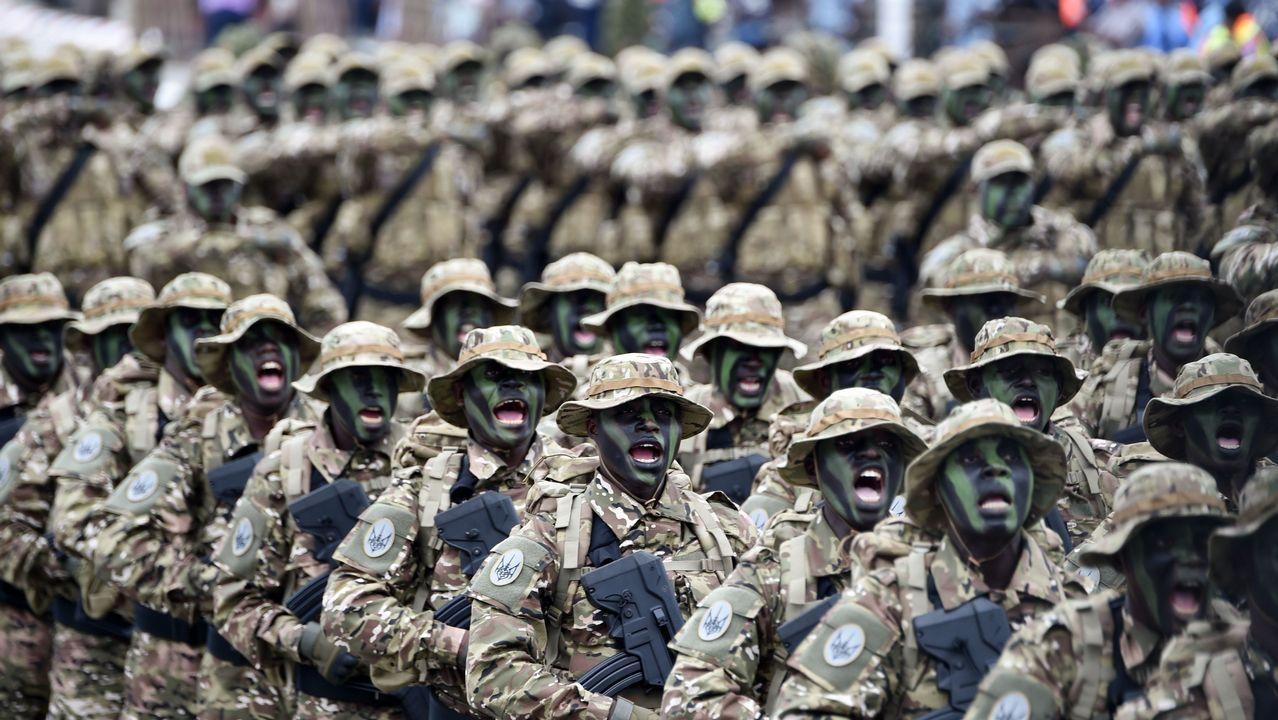 Soldados en la parada de las celebraciones por el 58 aniversario de la independencia de Costa de Marfil