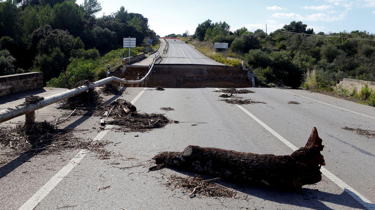 Destrozos en una carretera de Mallorca por el torrente