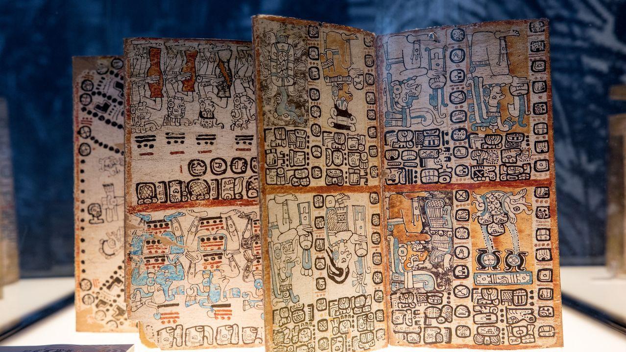 .El Museo de Ciencia y Tecnología de A Coruña (MUNCYT) expone uno de los códices mayas más antiguos que hay en el mundo