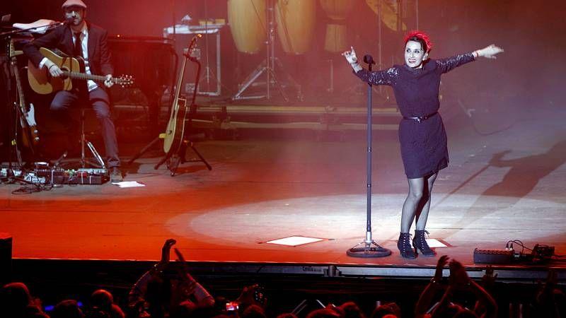 La cantante Luz Casal, durante su concierto en Boimorto.