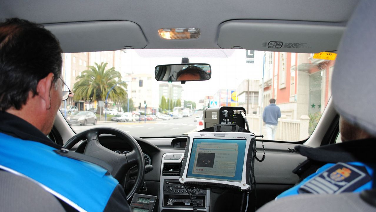 El Gobierno bajará en 2019 el límite de velocidad a 90km/h en todas las carreteras convencionales.El vehículo, que circulaba sin neumáticos dañando el asfalto, fue inmovilizado
