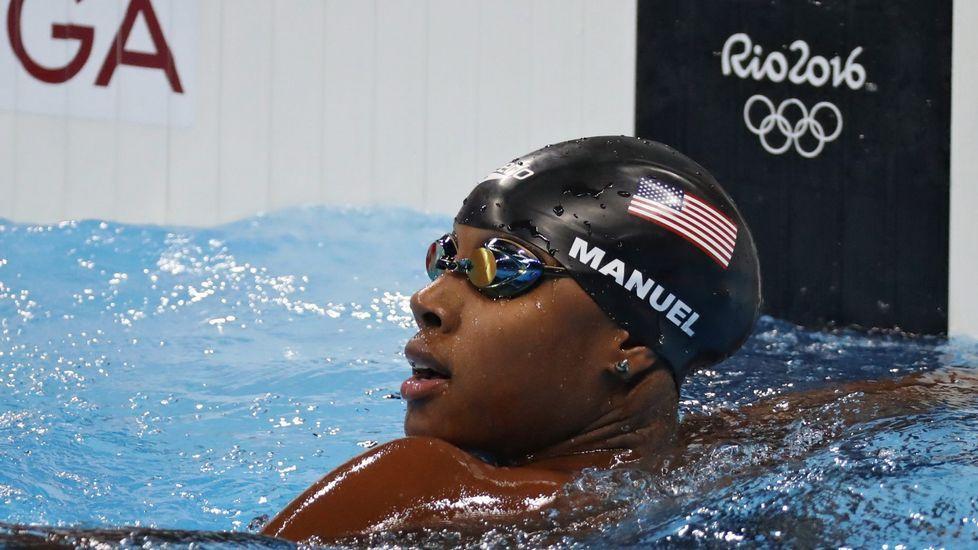 Simone Manuel consiguió cuatro metales en las piscinas de Río: dos oros en 100 y relevo 4x100 combinado y dos platas en 50 metros libres y relevo 4x100 libre