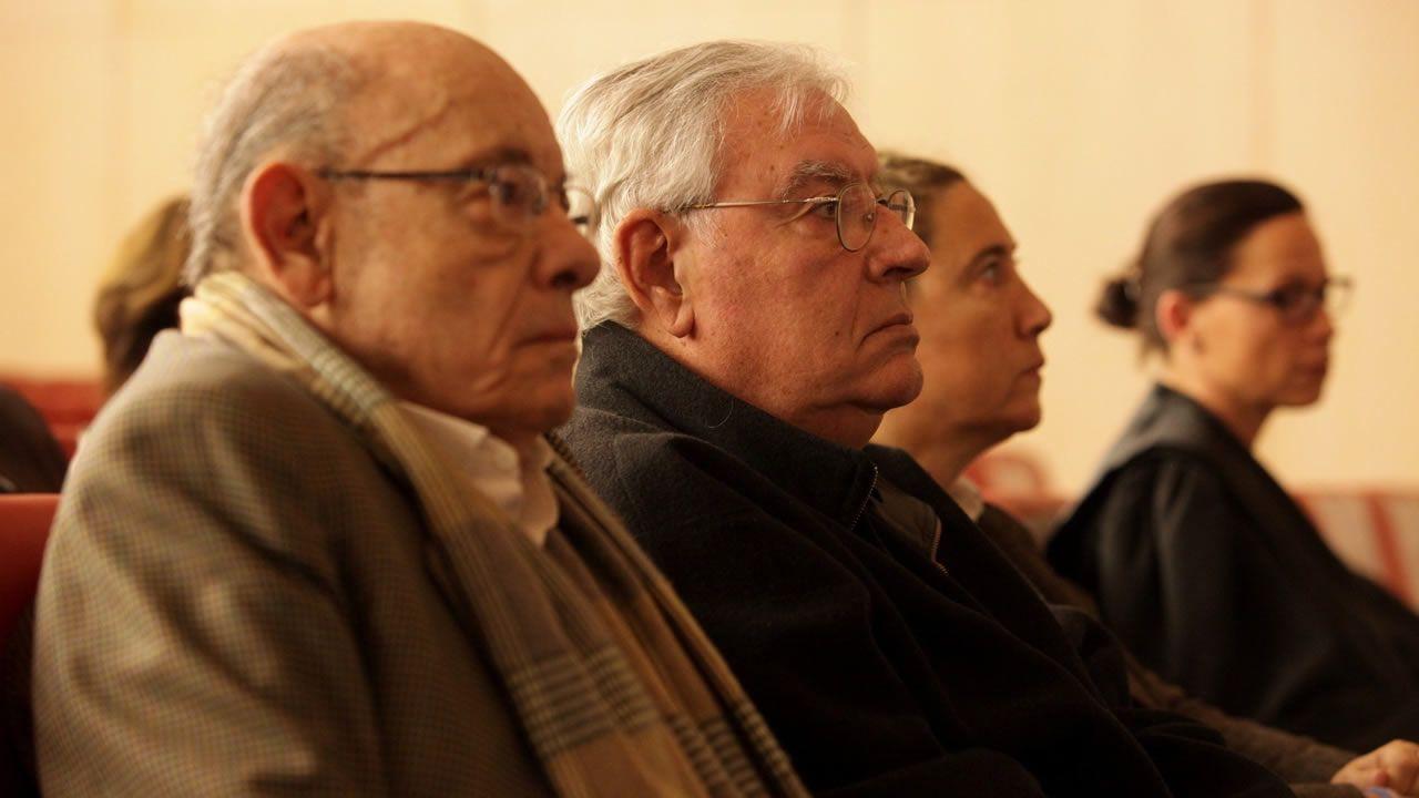 El expresidente del Palau de la Música, Félix Millet, junto a Jordi Montull, y la hija de éste, al inicio del juicio
