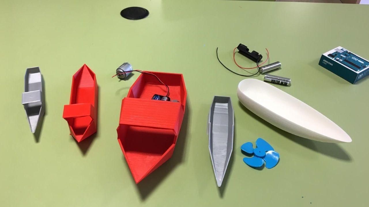 Barcos realizados por las impresoras 3D del CPI O cruce