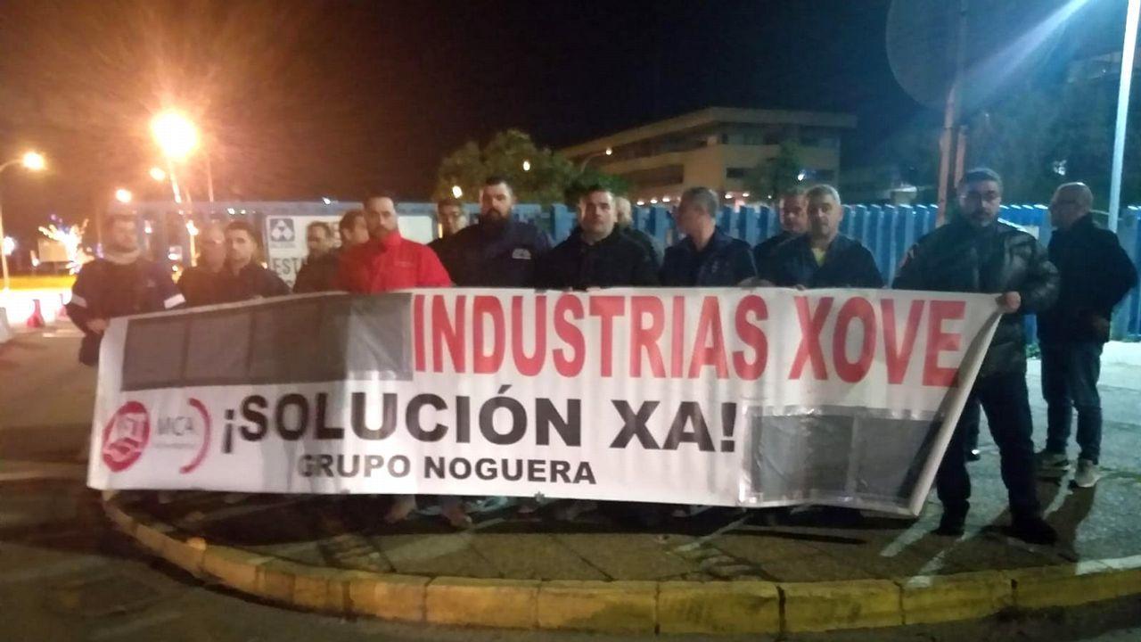 Trabajadores de Isowat, en A Grela