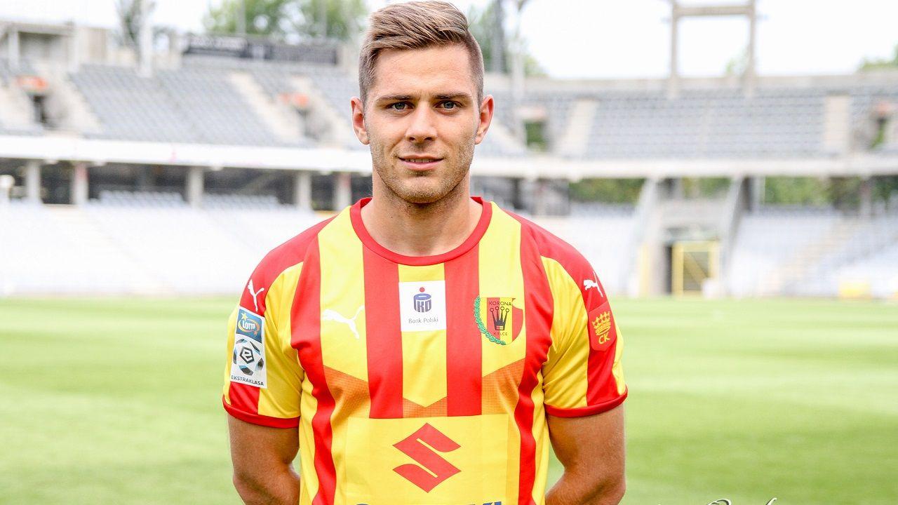 Matej Pucko con la camiseta de su nuevo club
