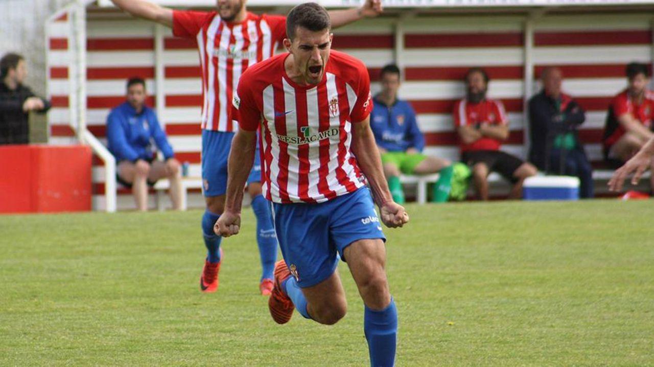 .Claudio durante un partido con el Sporting B