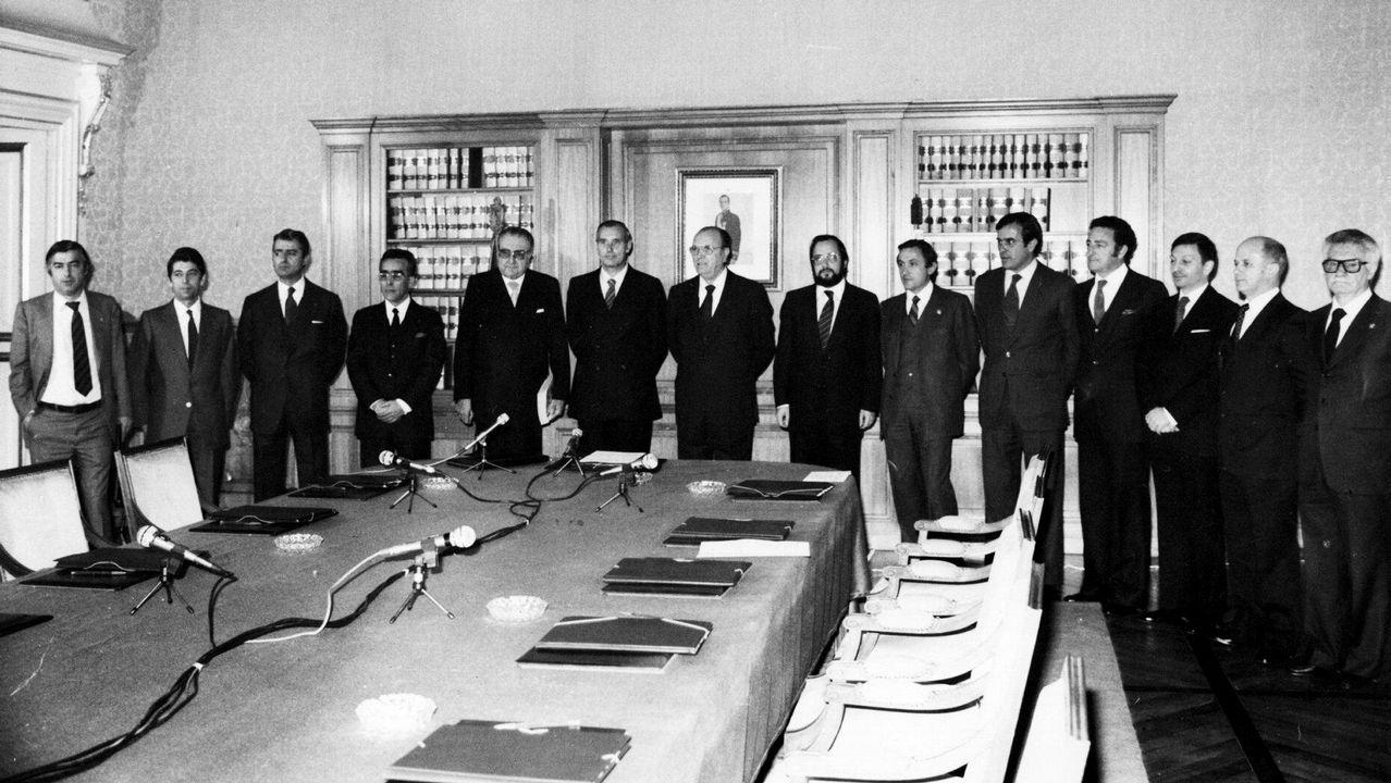 .Constitución de la primera Xunta de Galicia, despues de las primeras elecciones autonómicas en 1981