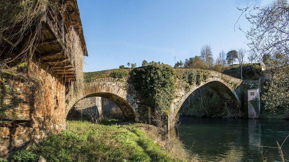Puente de origen romano que da su nombre al pequeño núcleo de A Ponte