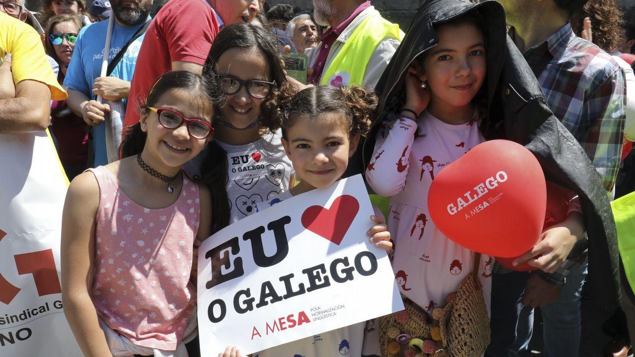 Así viviu Compostela o Día das Letras Galegas.Representación de Casa O'Rei, de Ibuprofeno Teatro