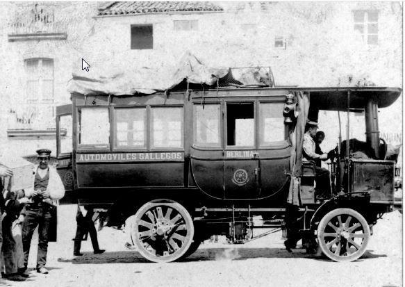 El cuerpo del niño apareció en un eucaliptal de Oza-Cesuras.Como otros placeros, José Antonio López reivindica más plazas de aparcamiento para el mercado