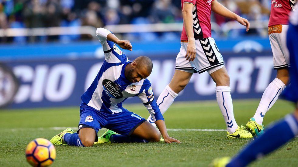 Las mejores fotos del Deportivo-Alavés.Durant se echa mano a la rodilla tras lesionarse en Washington