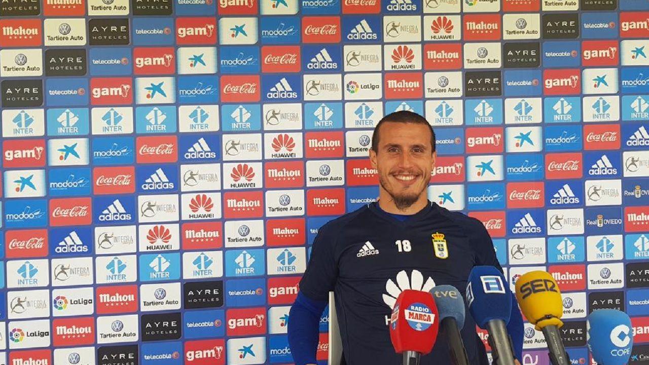 Christian Fernandez Real Oviedo Requexon.Christian, en rueda de prensa en El Requexon